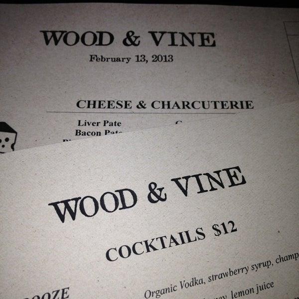 Photo prise au Wood & Vine par J $. le2/14/2013