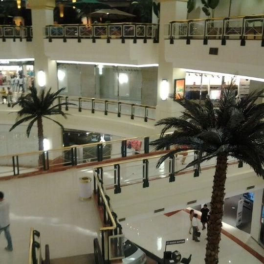 Das Foto wurde bei Shopping Iguatemi von Fabiano T. am 1/9/2013 aufgenommen