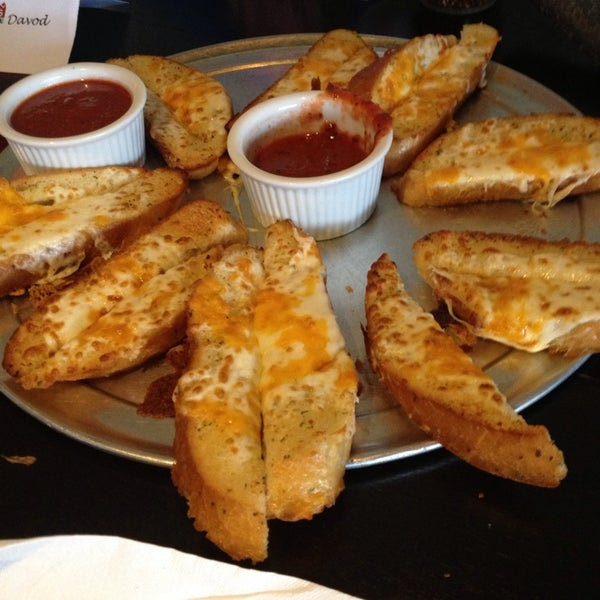 12/14/2013にcharlesがJoey's Pizzeriaで撮った写真