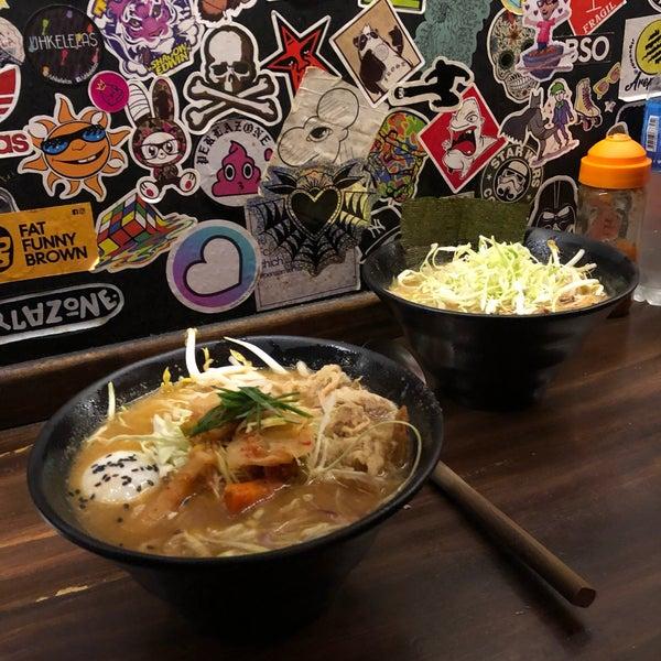 Foto tirada no(a) Fukuro Noodle Bar por Mariano L. em 6/15/2019