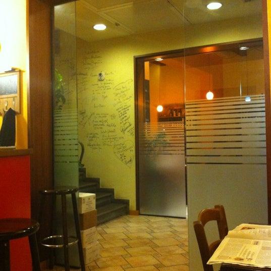 Foto scattata a Enoteca Don Abbondio da Denis R. il 10/26/2012