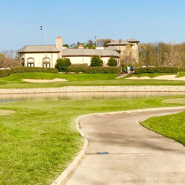 Foto tomada en 1757 Golf Club por Stuart P. el 4/16/2016