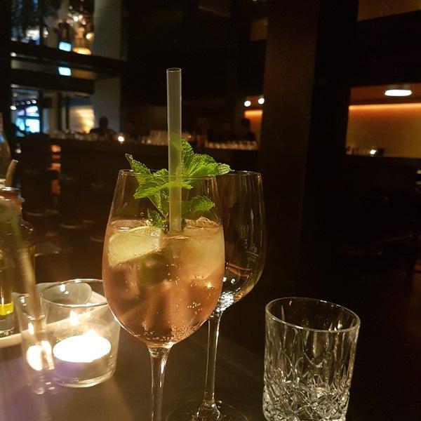 Foto tirada no(a) HEART Restaurant & Bar por ✌📷Aysegül😘📷✌ . em 7/15/2017