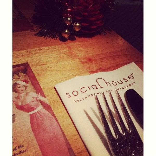 Das Foto wurde bei SOCIAL HOUSE von Andrew C. am 12/21/2012 aufgenommen