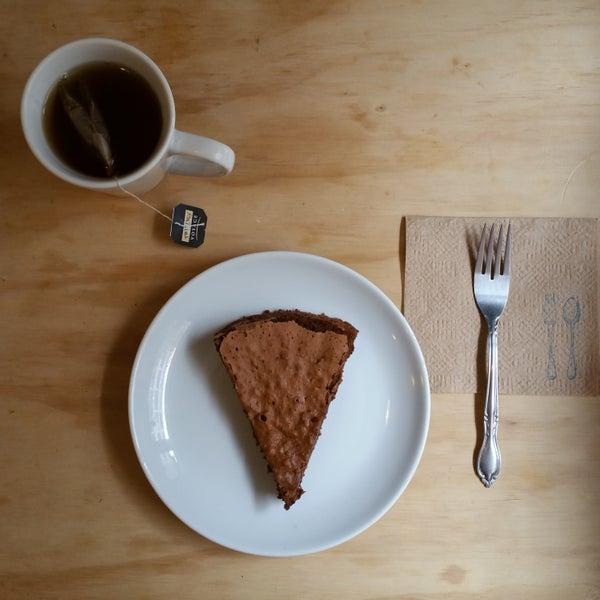 El pastel de #chocolate de Tapiela esta muy #deli. #yummy