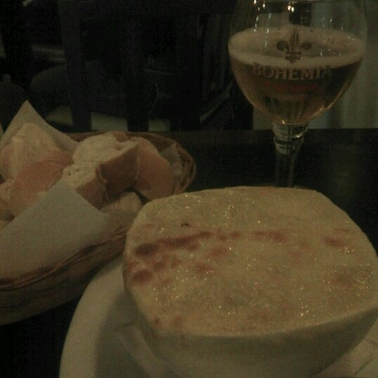 Foto diambil di Beer Bamboo oleh Andréa N. pada 11/2/2012