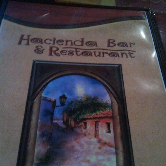 Photo prise au La Hacienda par Ben S. le12/19/2012