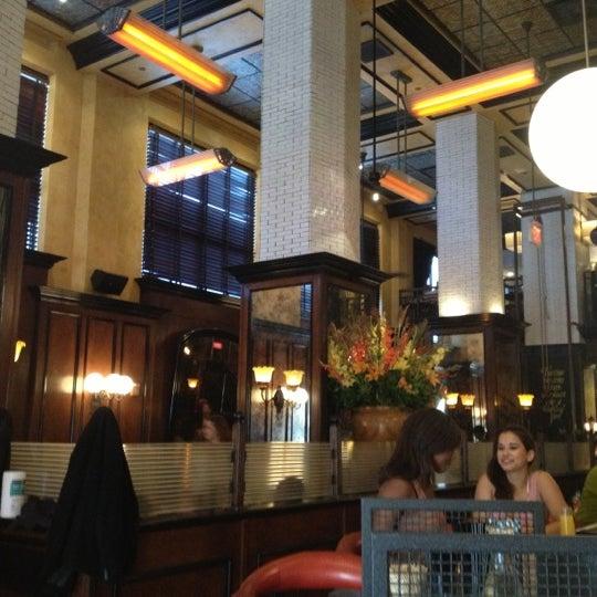 11/4/2012에 Rose G.님이 The Misfit Restaurant + Bar에서 찍은 사진
