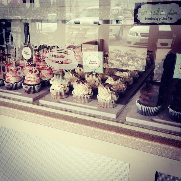 2/1/2014 tarihinde Patricia B.ziyaretçi tarafından Gigi's Cupcakes'de çekilen fotoğraf