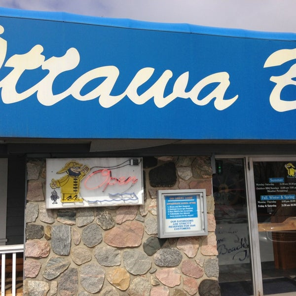 Photos At Ottawa Beach Inn Holland Mi