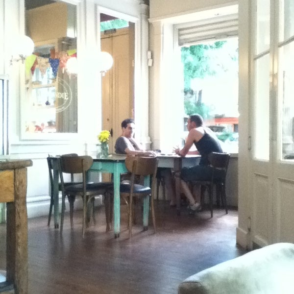 12/26/2012 tarihinde Paula S.ziyaretçi tarafından Magendie'de çekilen fotoğraf