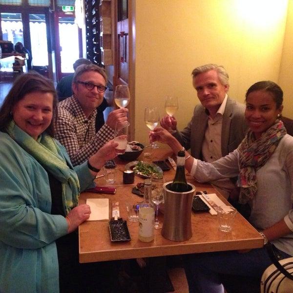 Das Foto wurde bei Mochi Restaurant von Marc P. am 6/19/2014 aufgenommen