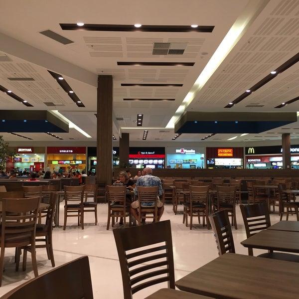 Foto tirada no(a) Parque Shopping Maia por Gu T. em 2/28/2016