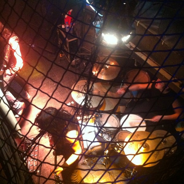 3/17/2013 tarihinde Özlem I.ziyaretçi tarafından Dorock Heavy Metal Club'de çekilen fotoğraf