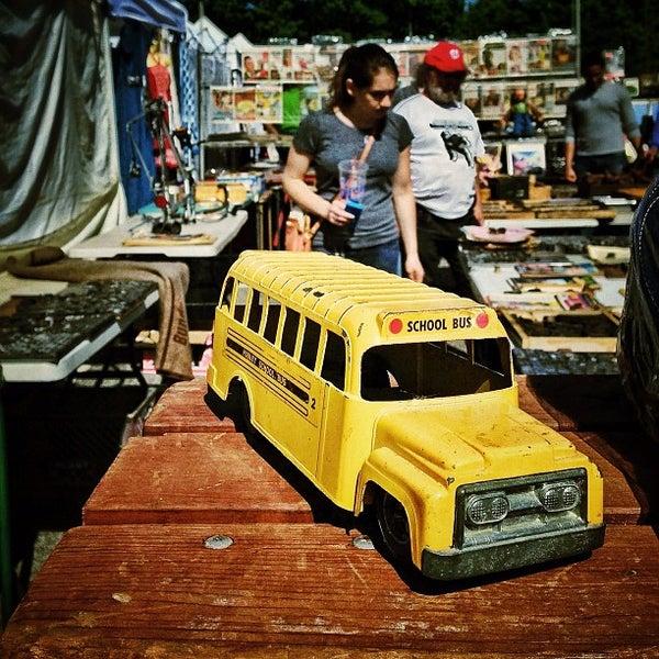 Photo prise au The Flea Market at Eastern Market par Denis S. le5/6/2013