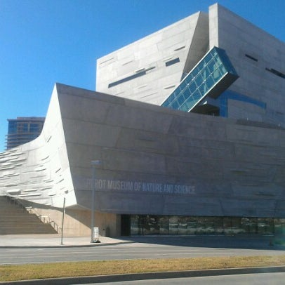 Foto tirada no(a) Perot Museum of Nature and Science por Amy W. em 12/20/2012