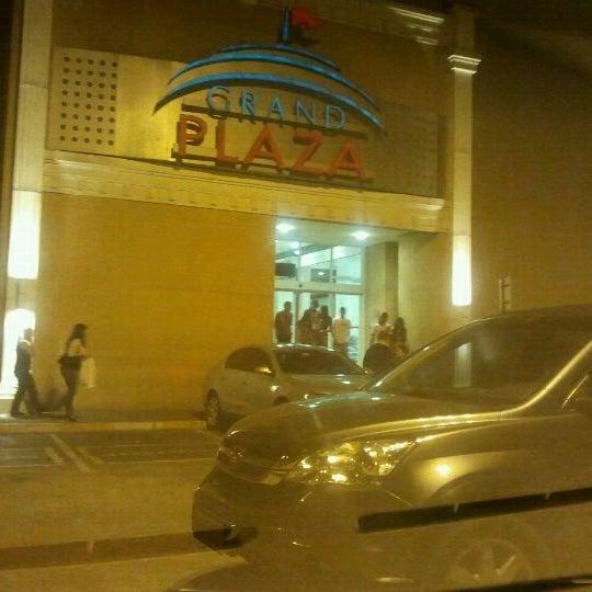 Das Foto wurde bei Grand Plaza Shopping von Fernando A. am 9/18/2011 aufgenommen