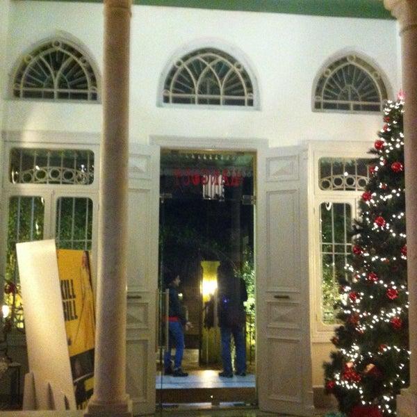 Foto scattata a The Hangout da joesbox il 12/22/2012