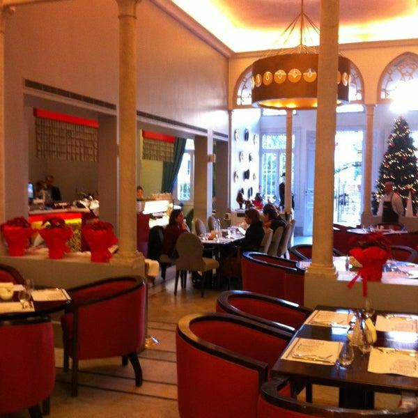 รูปภาพถ่ายที่ The Hangout โดย joesbox เมื่อ 12/26/2012