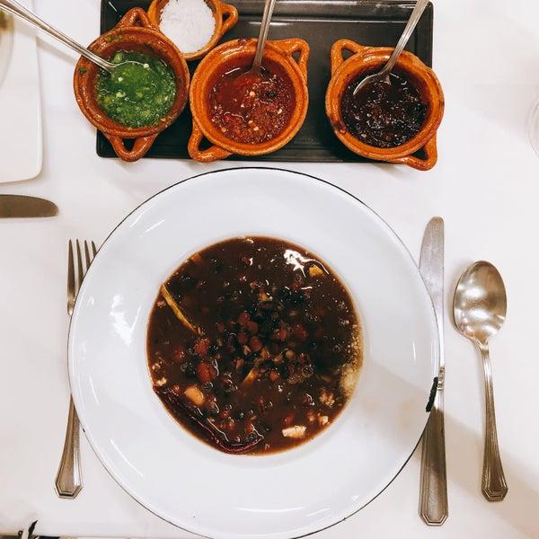 Das Foto wurde bei Restaurante Nicos von Neli P. am 3/22/2016 aufgenommen