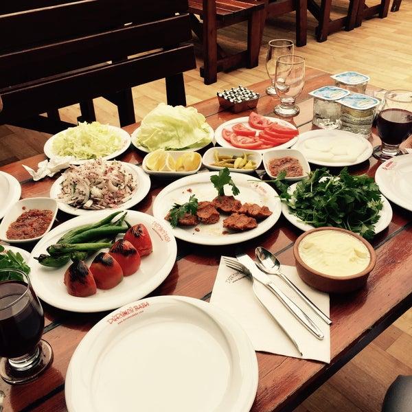 Das Foto wurde bei Dürümcü Baba von Faruk am 5/7/2015 aufgenommen