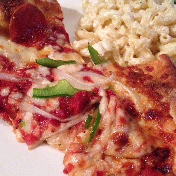 3/20/2014에 Kelly T.님이 Gas Light Pizza Pub에서 찍은 사진