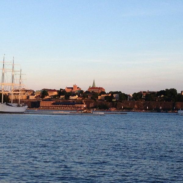 Foto tirada no(a) Grand Hôtel Stockholm por Dominic P. em 6/18/2013