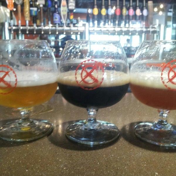 7/5/2013에 Mike F.님이 Black Bottle Brewery에서 찍은 사진