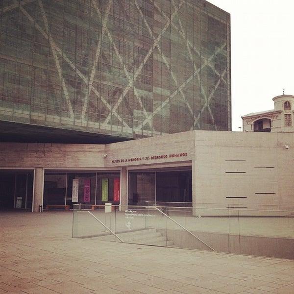 Foto diambil di Museo de la Memoria y los Derechos Humanos oleh Álvaro F. pada 9/16/2012