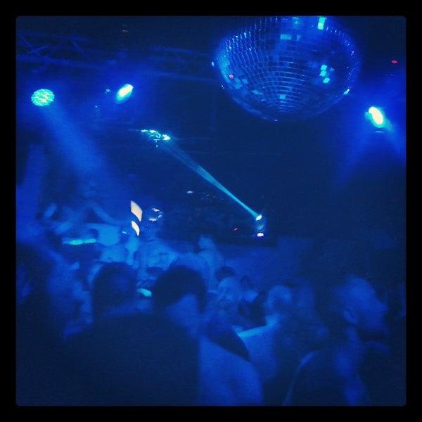 Photo prise au Mekka Nightclub par merredith l. le3/11/2013