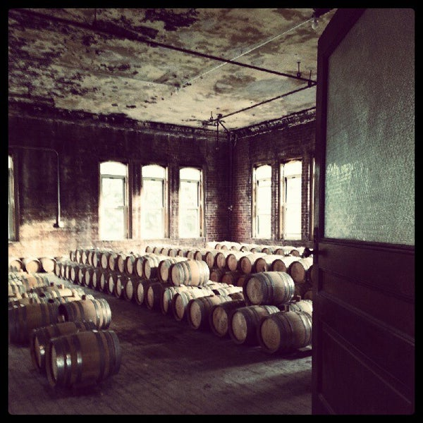Foto scattata a Kings County Distillery da Michael C. il 10/8/2012