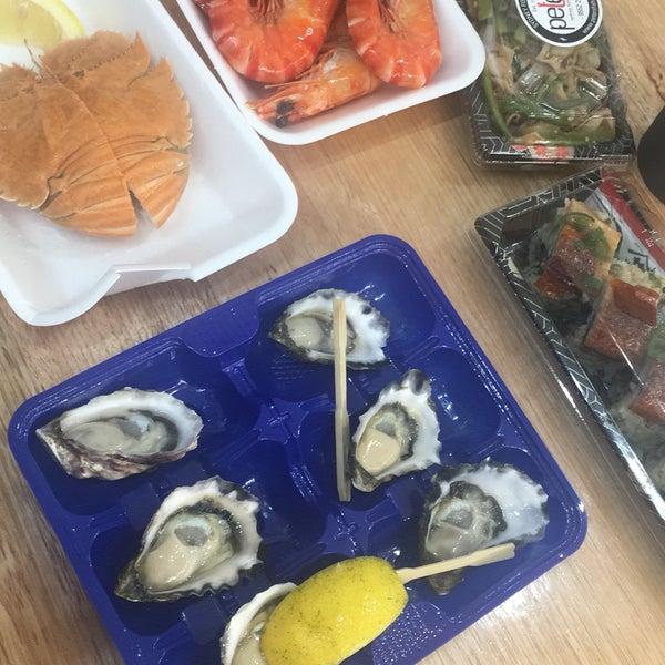Foto scattata a Peter's Fish Market da Christina L. il 8/11/2019