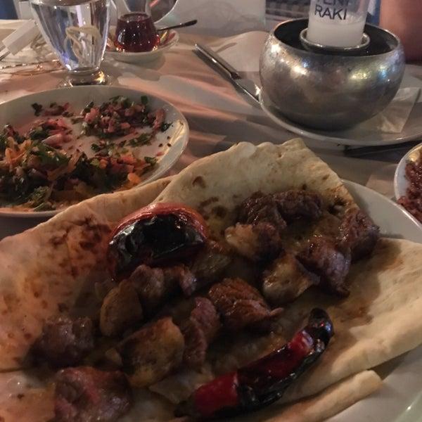 Das Foto wurde bei Pirzola Steak House von FERHAT am 11/7/2018 aufgenommen