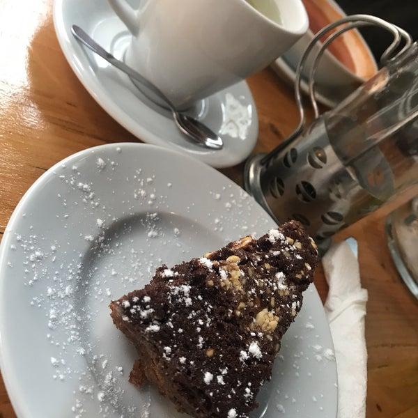 2/16/2018 tarihinde Damla Ş.ziyaretçi tarafından Tosbağa Cafe'de çekilen fotoğraf
