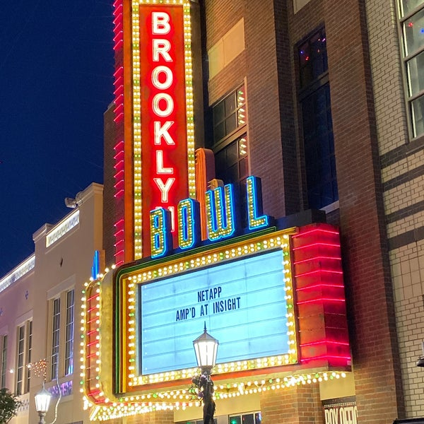 10/31/2019 tarihinde Robert H.ziyaretçi tarafından Brooklyn Bowl Las Vegas'de çekilen fotoğraf