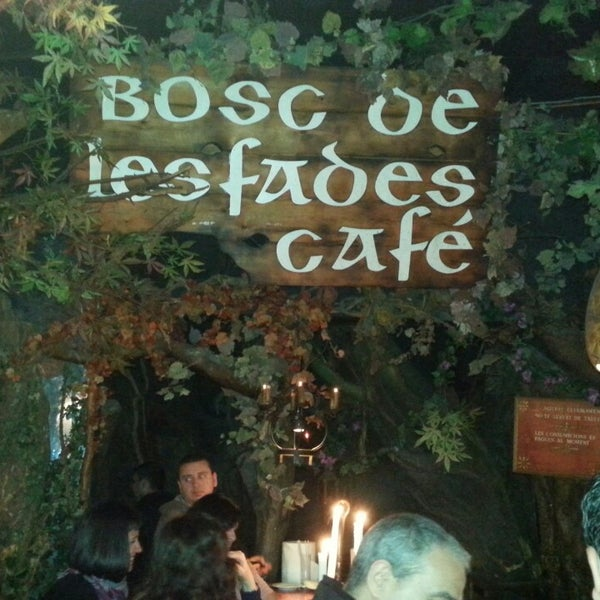 รูปภาพถ่ายที่ El Bosc de les Fades โดย Antoni A. เมื่อ 4/20/2014