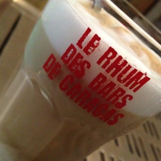 Photo prise au LC2 Café par Laurent S. le9/28/2012