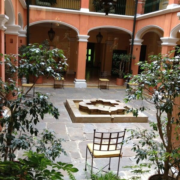 รูปภาพถ่ายที่ Hotel de la Opera โดย Ale S. เมื่อ 5/20/2013