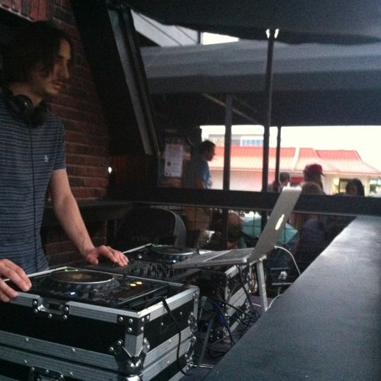 11/11/2012 tarihinde Austin M.ziyaretçi tarafından Royal Oak Bar and Grill'de çekilen fotoğraf