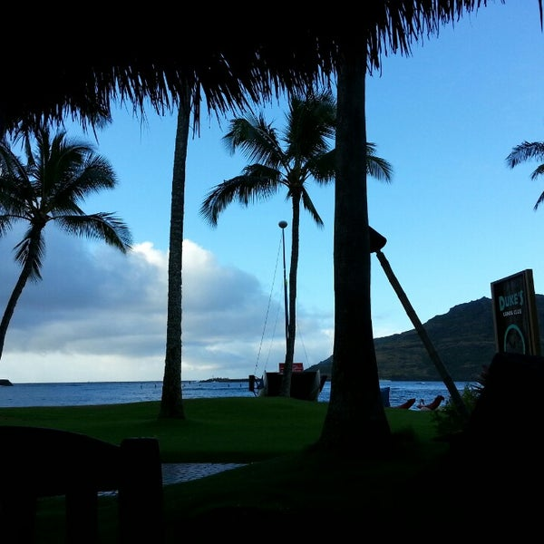 6/23/2013에 ernie e.님이 Duke's Kauai에서 찍은 사진