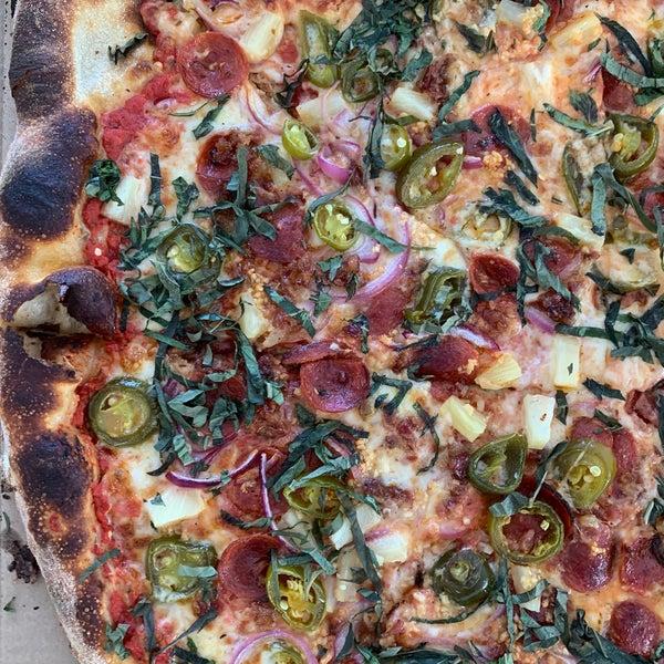 Foto scattata a Apollonia's Pizzeria da Brittany il 5/2/2020