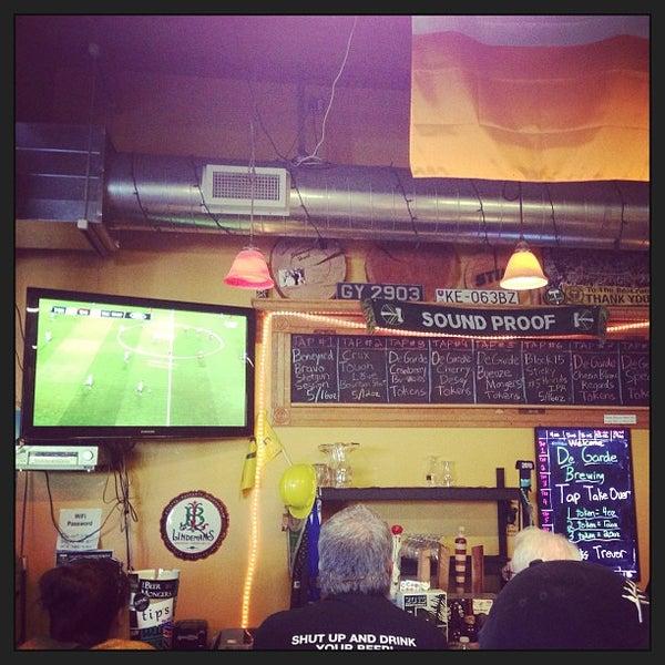 Photo prise au The BeerMongers par Shannon F. le6/9/2013
