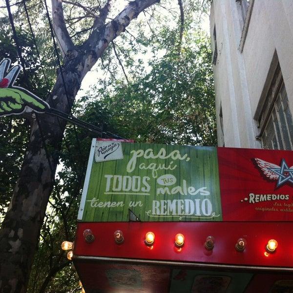 Foto tomada en Remedios Mágicos Botica Condesa por Dey B. el 6/1/2013
