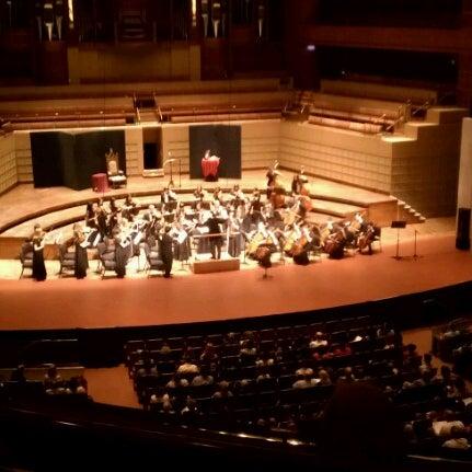 Foto tirada no(a) Morton H. Meyerson Symphony Center por Rachel M. em 12/2/2012