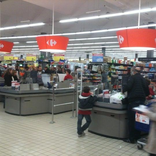 Снимок сделан в Carrefour hypermarché пользователем Vincent   วินเซ็นต์ V. 11/17/2012