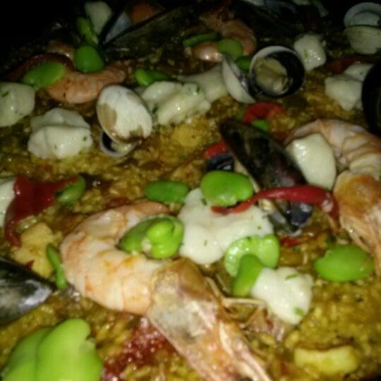 Снимок сделан в Socarrat Paella Bar - Nolita пользователем Yongmin L. 12/30/2012