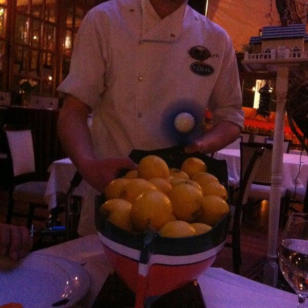 Foto tomada en Trilye Restaurant por Gülşen E. el 2/17/2013