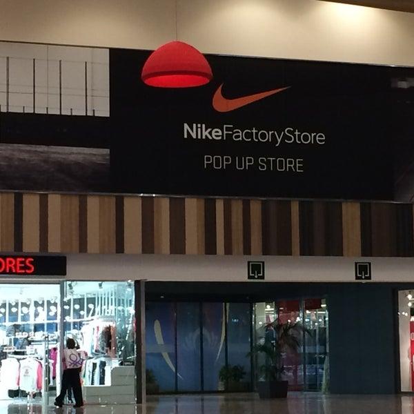 blanco lechoso Demonio servidor  Nike Factory Store La Jonquera - la Jonquera, Cataluña