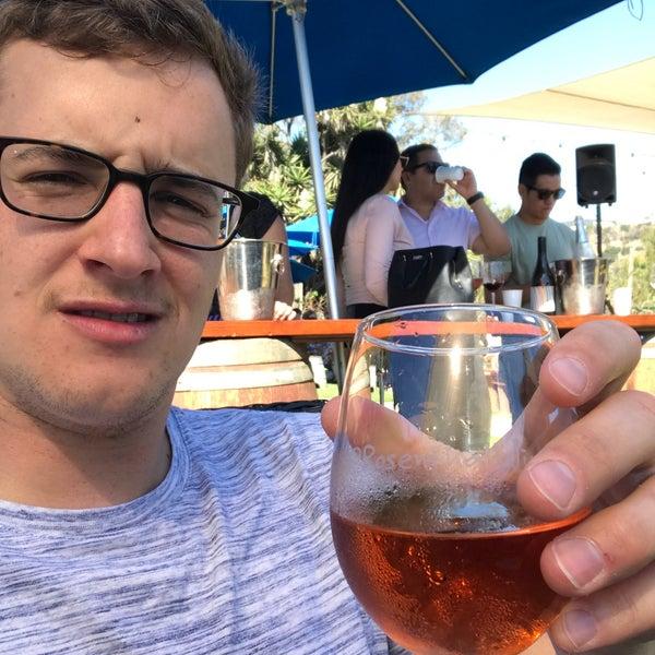 Photo prise au Rosenthal Wine Bar & Patio par Jeff W. le10/7/2017