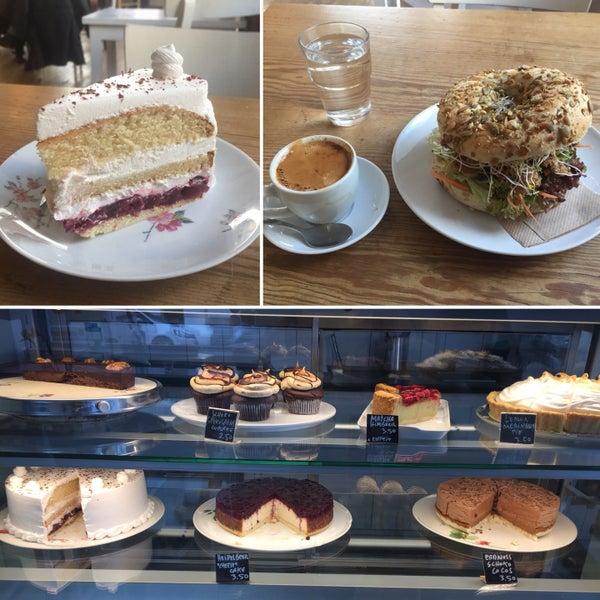 Fotos Bei Cafe Vux Vegetarisches Veganes Restaurant In Berlin